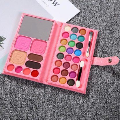33 färger New Wallet makeup set