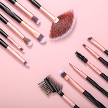 BS13 - BS-MALL 18 st. exklusiva Make-up / sminkborstar av Bästa Kvalité